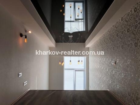 2-комнатная гостинка, Конный рынок - Image2